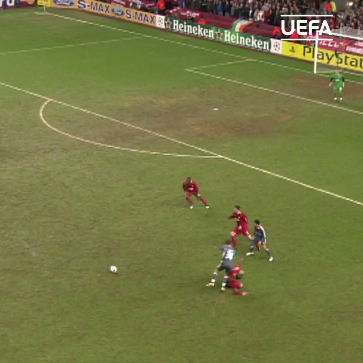🇵🇹 Simão Sabrosa scores opener in style as Benfica stun Liverpool in 2006 🔥  #UCL | #TBT | @slbenfica_en