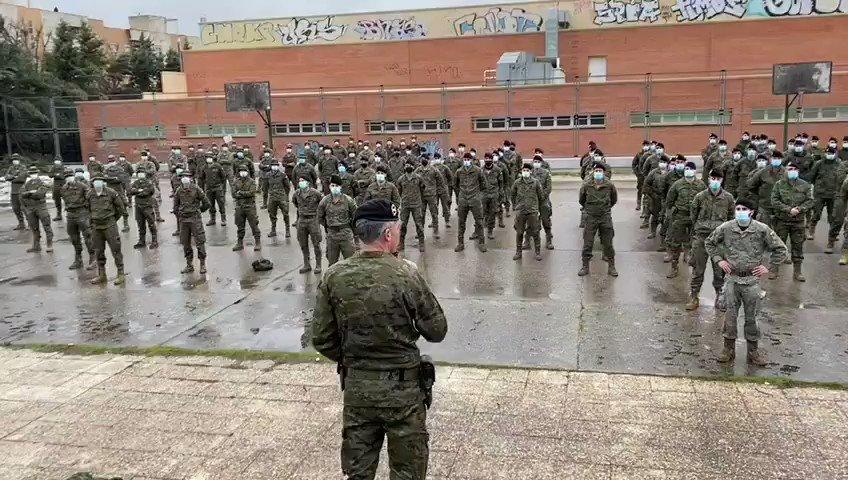 El @EjercitoTierra se repliega de #Guadalajara tras días de intenso trabajo para paliar los efectos de la #BorrascaFilomena y la #OlaDeFrío.
