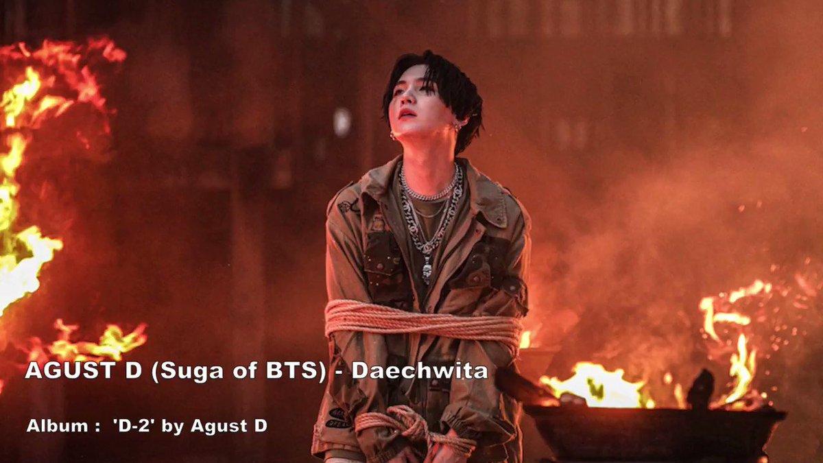 """Pour célébrer les 8 années avec notre Artiste SUGA (de son vrai Nom : Min Yoongi), j'ai pas pu m'empêcher de vous remettre ce Chef d'œuvre magistral qu'est la chanson """"DAECHWITA"""", parmi tant d'autres comme """"Shadow"""", """"Agust D"""", Seesaw"""", """"First love"""", etc. !  - #8yearswithSUGA"""