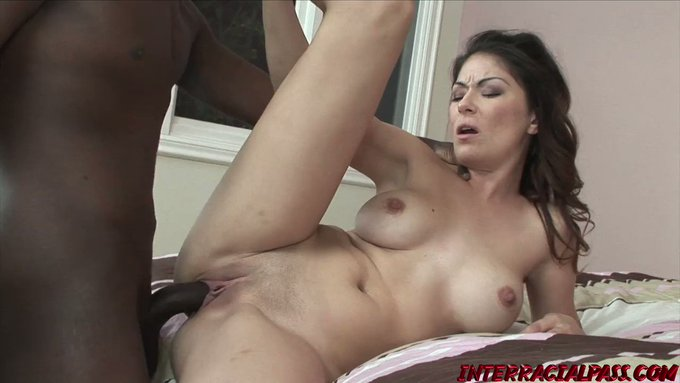 MILFs like Angelica love to get dick from young 18 year olds . . . makes them feel young again! 🏅 https://t