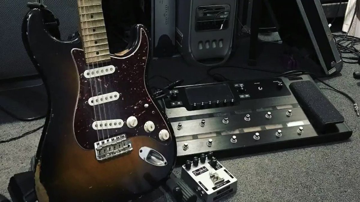 #鎌倉FM 2021年1月23日(土)朝9時    ・Video Game Orchestraの新作EP「Unplugged」 ・「add9」というコードを使った有名曲 ・空耳課題曲 #RageAgainstTheMachine「People of the Sun」  #どうぶつの森 #AnimalCrossing #sting #prince #purplerain #Line6 #helix