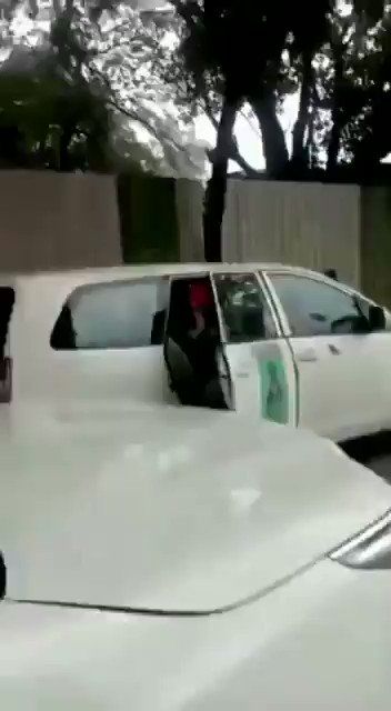 Punjab farmer leader Ruldu Singh Mansa, in a meeting with the government today, alleged that the Delhi Police broke the glass of his car … whereas see the reality in this video.  The agricultural law is just an excuse. They have hidden agenda in the name of protest👇