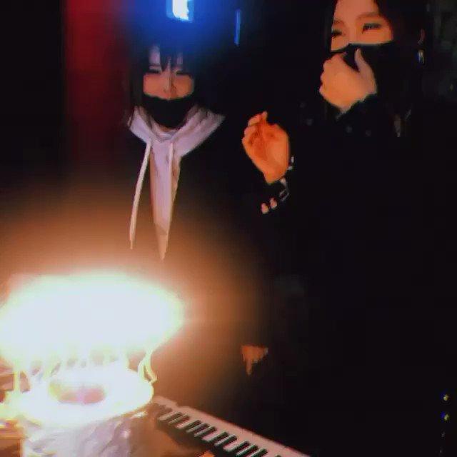 @yagurl_gureisu's photo on 2NE1