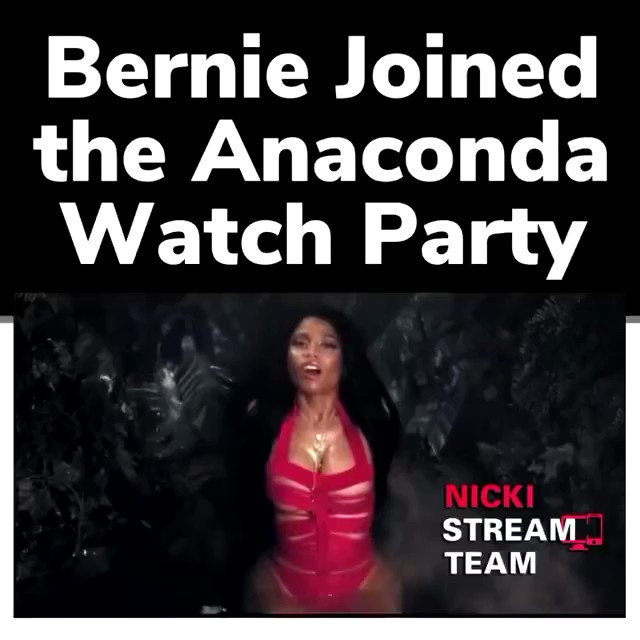 Even Bernie is streaming #Anaconda 😂😂 To a billi!!   (🎥 @nickistreamteam)