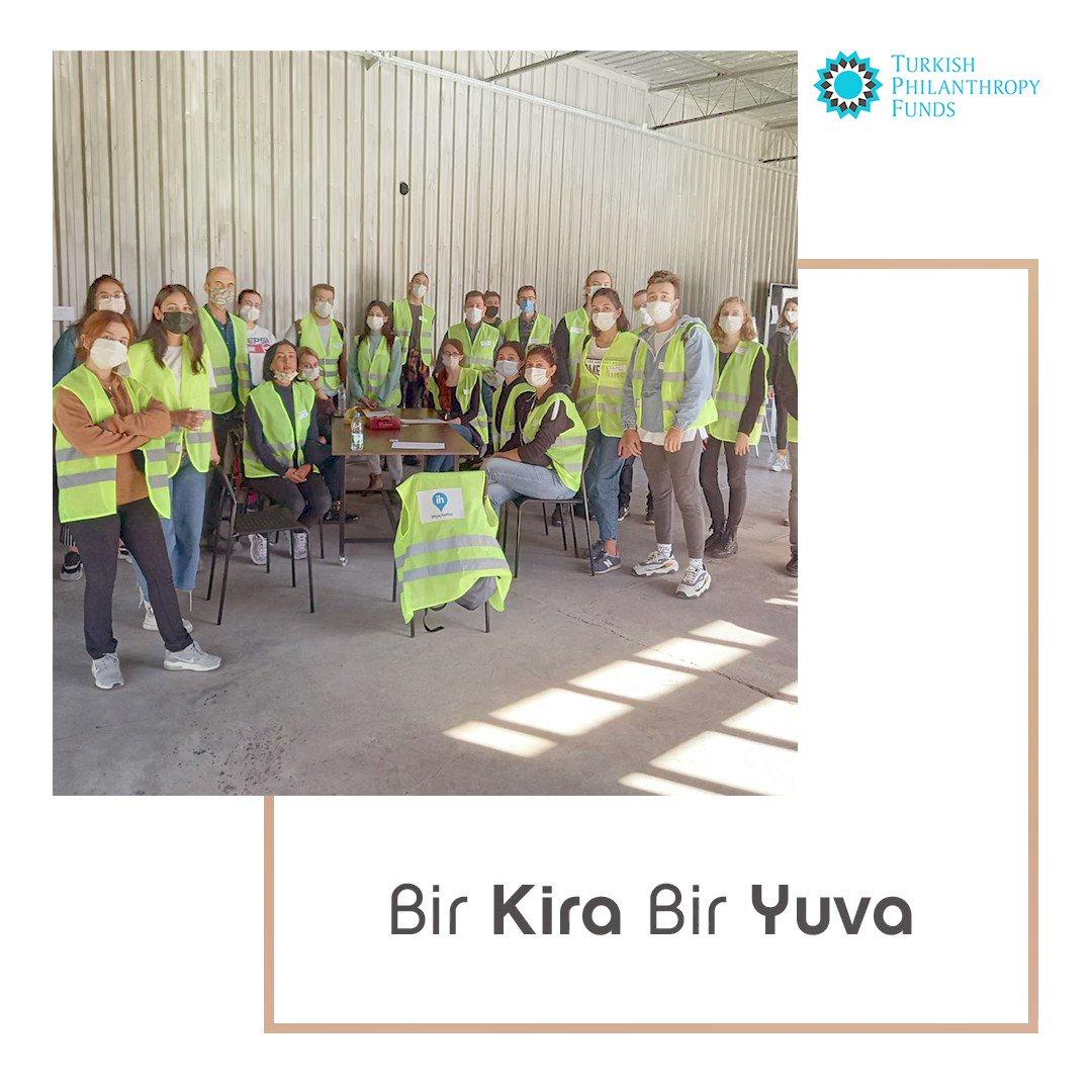 """İzmir depremi sonrası, """"Bir Kira Bir Yuva"""" kampanyası ile depremzedelere taahhüt edilen kira desteği 42 milyon lirayı aştı. Bizim de destek verdiğimiz bu projeye kira desteği sağlayan Turkish Philanthropy Funds'a en içten duygularımızla teşekkür ederiz. @tphilanthropy"""