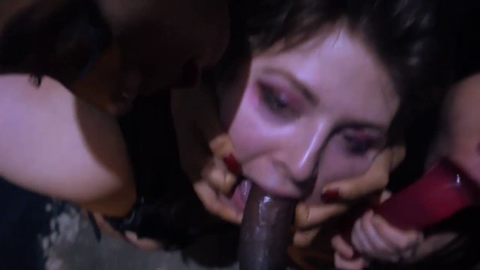 Just sold! CRAZY EXTREME DEEPTHROAT FOURSOME https://t.co/sWzWeicrms #MVSales https://t.co/hDoyuQ7g5