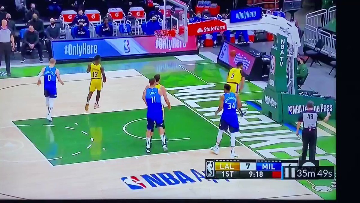 @NBAonTNT The #RulesBreaking #LALvsMIL @realchriswebber Working on drills!? U mean Working on a traveling moves! #TravelingViolations @OfficialNBARefs I've been a referee 4over 20yr+ & while watching @NBA games traveling is only called 3% of the time @PaulHembo please tell them