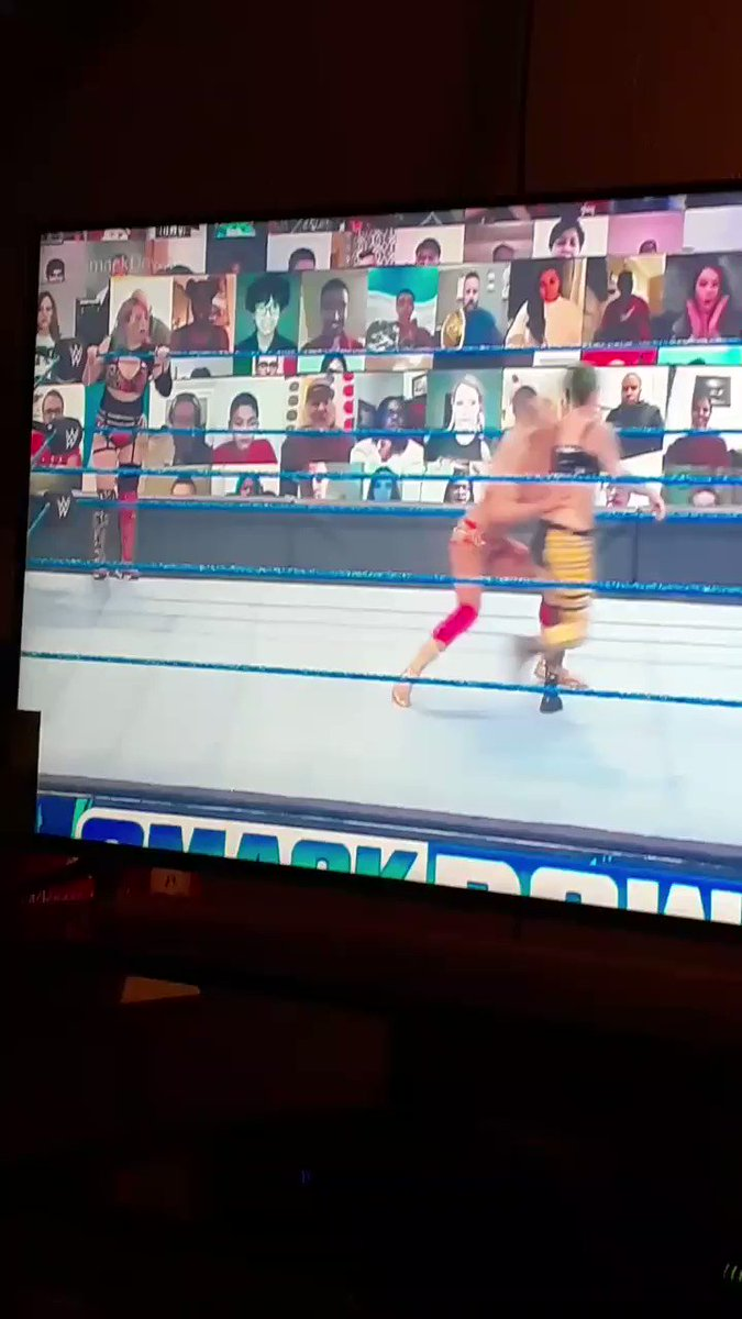 @WWE #WomensTagTeamChampions #WWERaw #WomensChampion @WWEAsuka ❤🖤❤🖤❤ & #TheQueen @MsCharlotteWWE ❤💛❤💛❤ vs #RiottSquad @RubyRiottWWE 💚🖤💚🖤💚 & #SmackDownLIV @YaOnlyLivvOnce 💛🖤💛🖤💛. #SmackDown #SmackDownOnFox