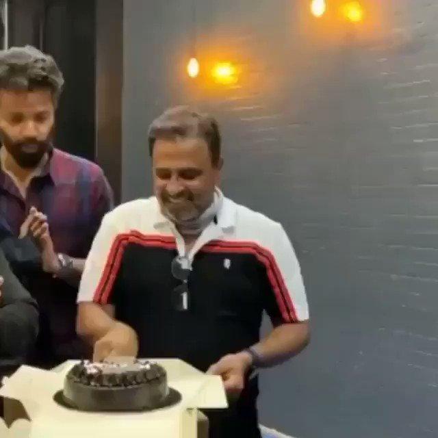 #AdityaRoyKapur and team celebrated birthday on the set of Om