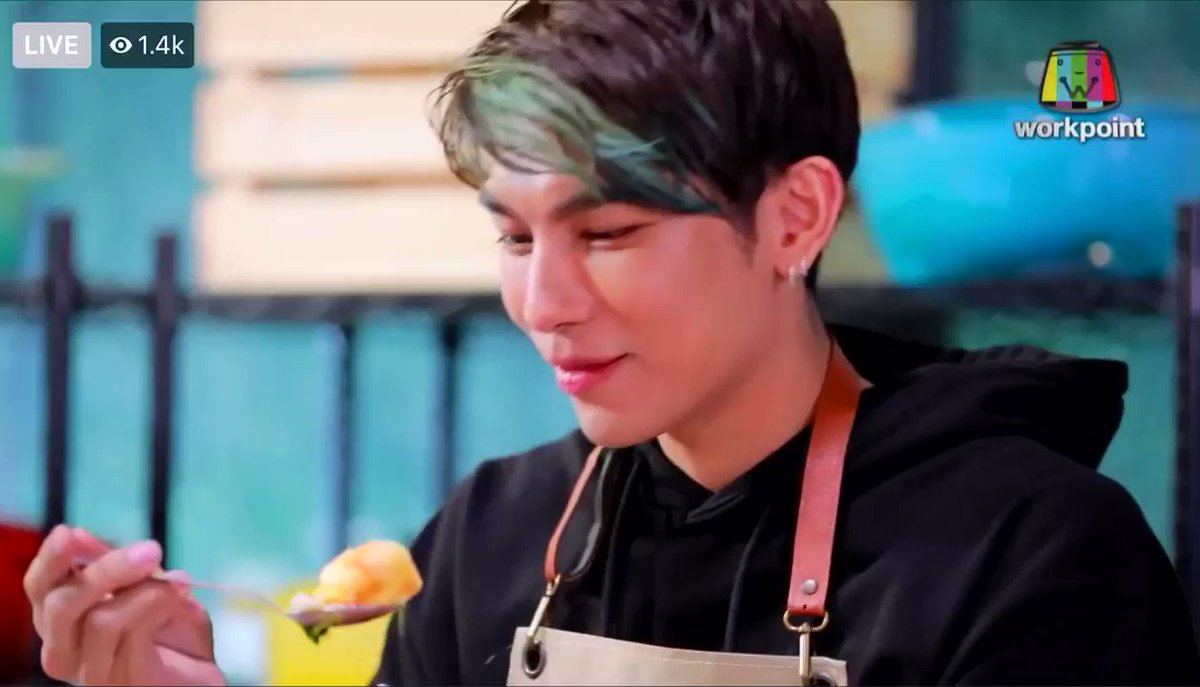 Replying to @xsuppasit: nong mew is so adorable 🥺🤏 #TheBigKitchenXMew