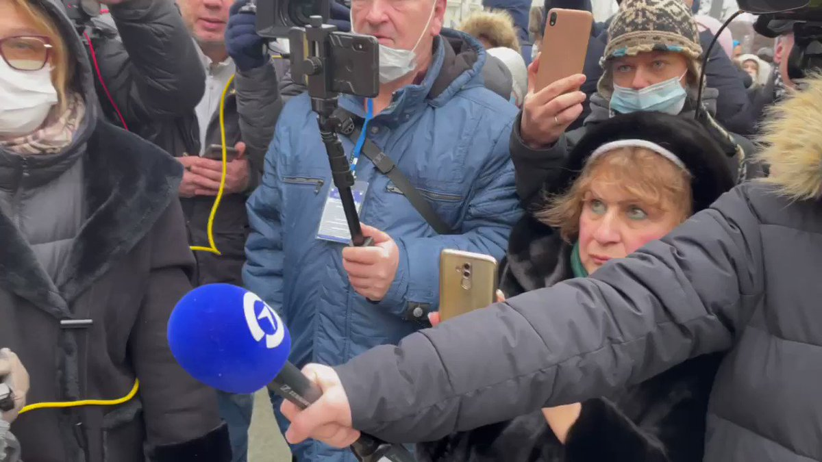Video of the moment when Navalny ally/lawyer Lyubov Sobol is grabbed by riot cops while speaking in Moscow. (Video by @tvrain) https://t.co/dCY0nlLzgi