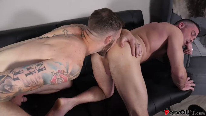 Just threw up some TASTY hole licking for you perverts to enjoy!   @lancehartfetish has one of the most
