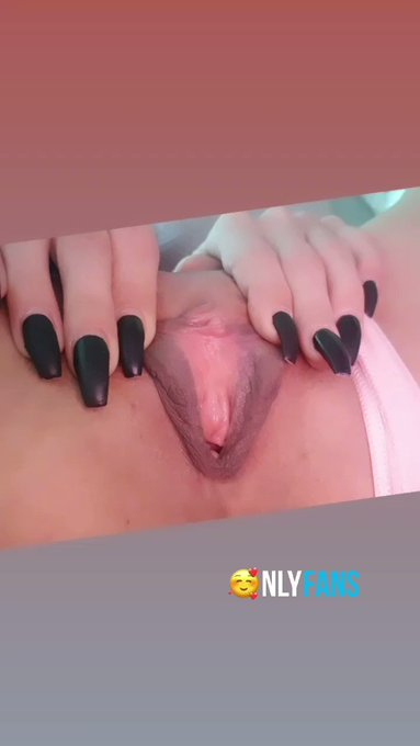 My pussy need some lick ? Full video here https://t.co/HBk5abL4w7  #pussy #close #open #nails @onlyfans
