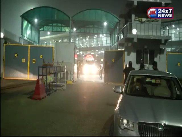 बिहार के पूर्व सीएम लालू प्रसाद यादव को इलाज के लिए स्पेशल फ्लाइट से लाया गया दिल्ली.. पिछले कुछ समय से बीमारी के चलते नाजुक बनी हुई है हालत..  #Bihar #BiharNews #Delhi #RJD #LaluPrasadYadav #Delhiairport