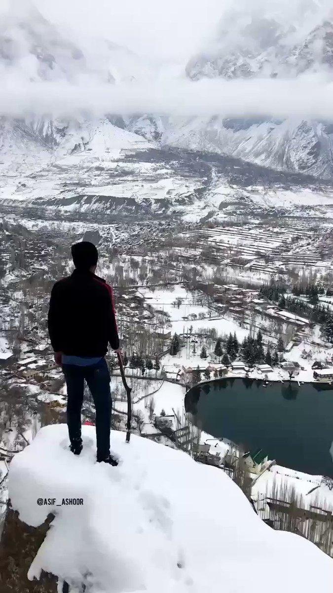Frozen #shingrila lake #skardu https://t.co/4M4ItcW5Ug