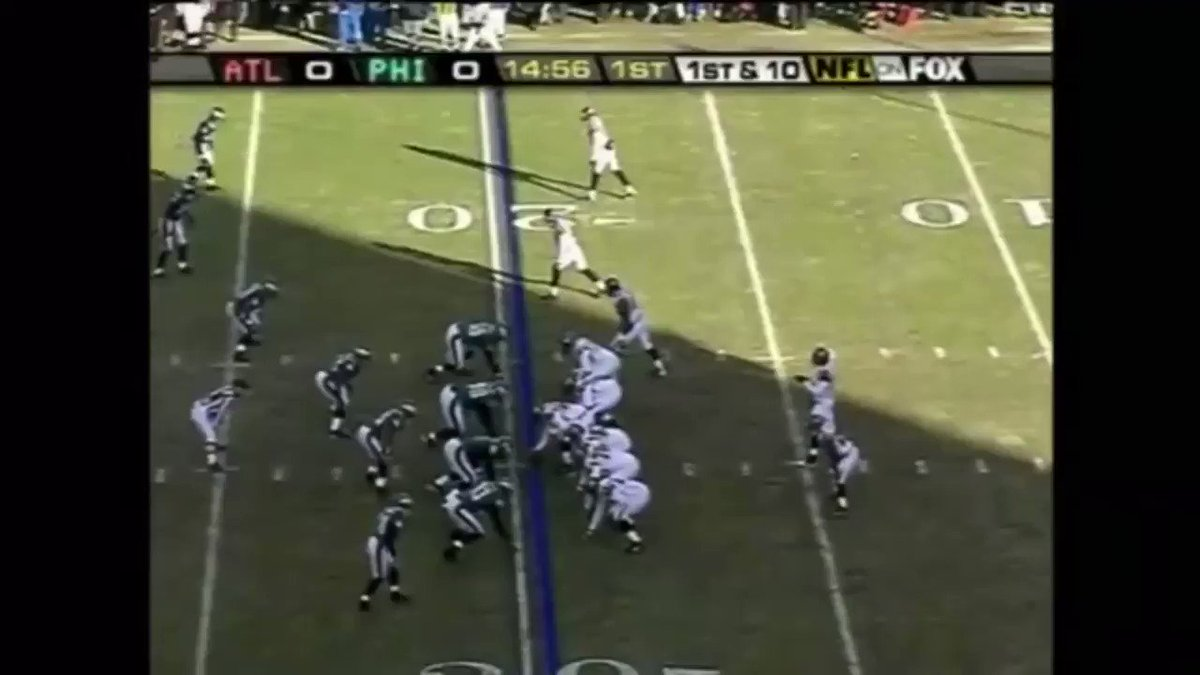 2004 NFCCG v ATL, what a defensive start! The elusive @MichaelVick stopped by #keithadams who played great especially on that first drive capped off by @BrianDawkins #aatbirds #FlyEaglesFly #setthetrends @keithadamsjr3 @72TraThomas