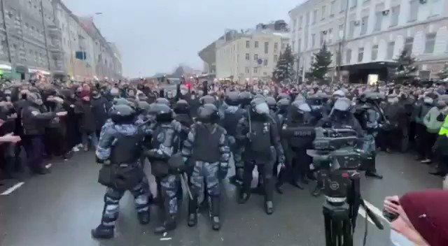 مظاهرات واحتجاجات عمت #روسيا تطالب برحيل بوتين على خلفية اعتقال المعارض نافالني والسلطات تتهم #واشنطن بدعم المعارضين #Россия