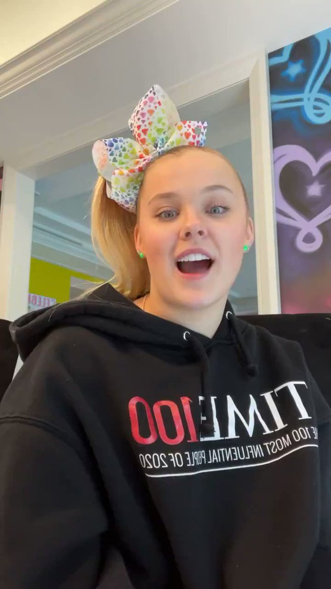 "JoJo Siwa speaks candidly about coming out in new Instagram Live:  ""I have never, ever, ever been this happy before"""
