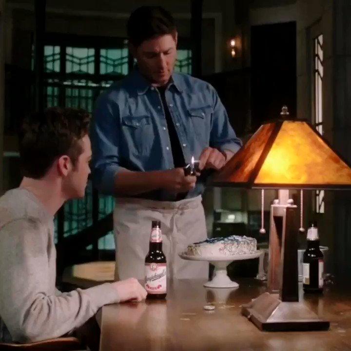 depois desse textão que fiz pro Dean preciso de uma fanfic fofinha urgente