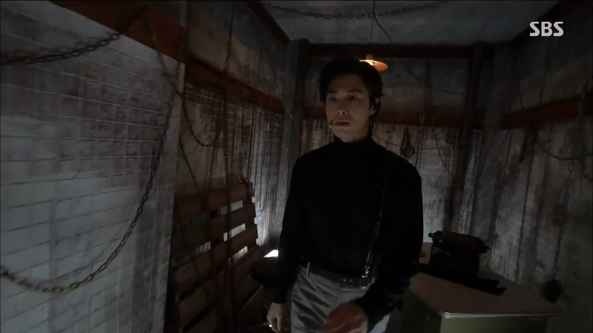 I want that coat ...  #U_KNOW #ThankU #유노윤호 #TVXQ #Yunho