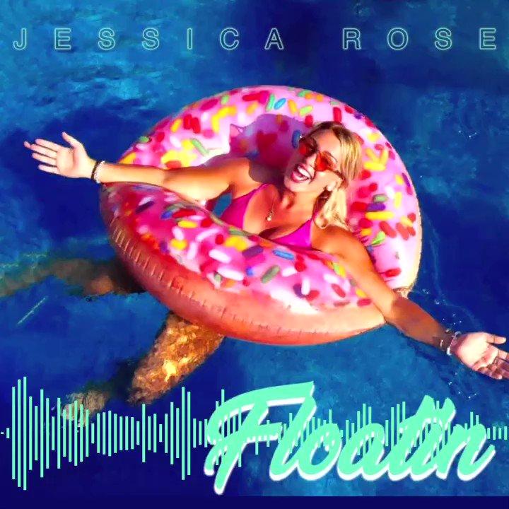 #HappySunday #letsgo Floatin with some @JessicaRoseLive #realjessicarose #music #checkout the #video on #youtube  #stream it #AppleMusic #spotify #BuyItNow #iTunes #AmazonMusic #jessicarosebuds 🌹🎼 #StatenIsland to #Nashville #cma #recordingartist