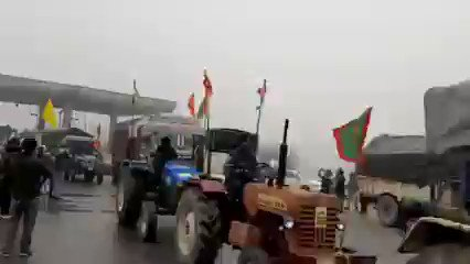 Day 61: #WorldsLargestProtest  World History in the making! Every 8 secs a vehicle moving to Police approved #farmersprotest in #Delhi for 26th Jan Republic Day @SkyNews @cnnbrk @guardian @CBSNews @nytimes @WSJ @smh @le_Parisien @TorontoStar #26JanDelhiChalo #India #RepublicDay