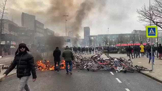 #Netherland  Heaps of BiCycles 🚲  were set on Fire 🔥    #Eindhoven #Breaking #Breakingnews