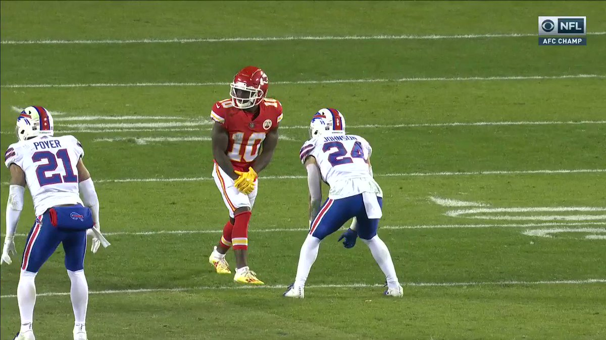 Tyreek almost outran the entire Bills defense 😱  (via @thecheckdown) https://t.co/OyUcjoil1U