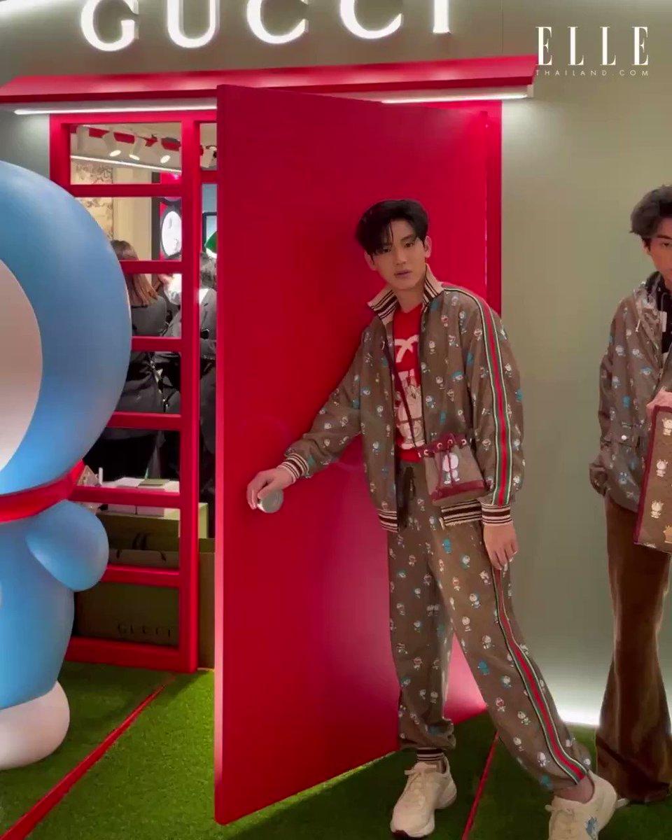 3 หนุ่มสุดฮอต กลัฟ คณาวุฒิ @gulfkanawut เต ตะวัน @tawan_v และ นิว ฐิติภูมิ ในโททัลลุคจากคอลเล็กชั่นสุดพิเศษ Doraemon x Gucci ที่งานเปิดป็อปอัพสโตร์แห่งล่าสุดที่ไอคอนสยามวันนี้   #DoraemonxGucci #GucciPin #GulfKanawut #เตนิว