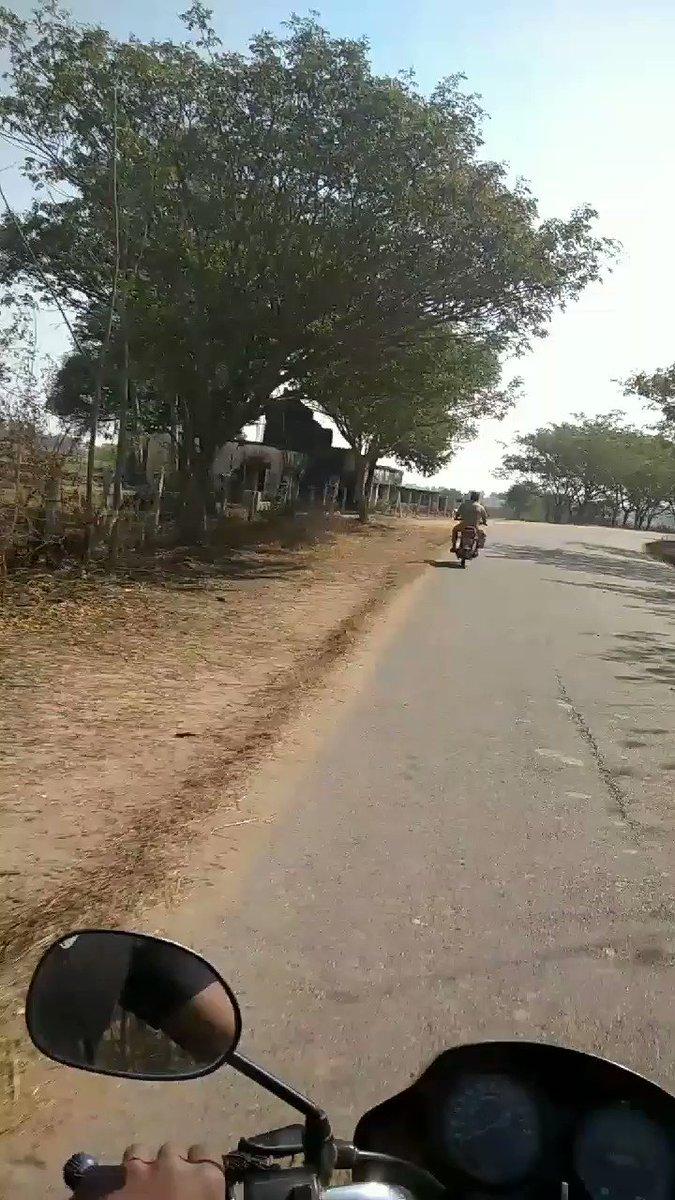 ପୋଲିସ ମହାଶୟ ବିନା ହେଲମେଟ ରେ ଗାଡି ଚଳାଉଛନ୍ତି... ୟାଙ୍କଠୁ କିଏ ଫାଇନ ମାଗିବ l @ApurbaRanjanApu @mhprsdji  @swayamjourno  @odisha_police  #roadsafetyweek #police #RoadSafetyMonth  #Rto  #journalists