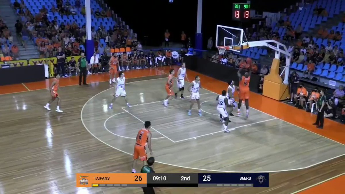 Another one from Giddey, phenomenal half-court chest pass with just crazy touch that leads to a quick score for the big in transition. The kid just has great passing skills and feel for the game at only 18, eyes always up the floor looking to make plays. #NBATwitter
