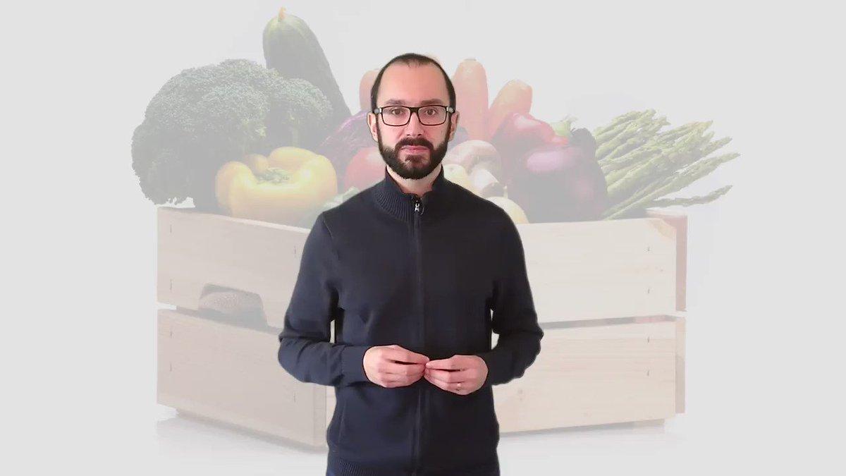 """Levnější brambory i zelenina. Dražší neřesti. Jak koronarok zahýbal cenami? Meziročně klesla cena především u zeleniny (o 7 %). Levněji se ale dala pořídit i řada dalších potravin. """"To máte okurky, brambory, mléko polotučné, plecko vepřové...""""  https://t.co/EKTjZTEOCI  - s @Vojir https://t.co/rZdXW3Iahx"""
