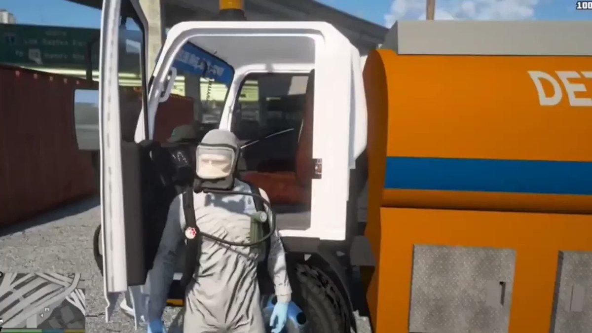 🎮İBB GTA 5 Daire Başkanlığı bünyesindeki Mobil Hijyen Filomuz İETT otobüslerini dezenfekte etmeye devam ediyor.🚍  ( o kadar da sıkmıyoruz😉)