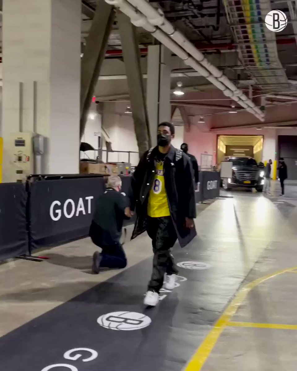 """""""You know who I was rockin' tonight.""""  @KyrieIrving 🖤🤍💜💛 https://t.co/UuwKTdsUMX"""