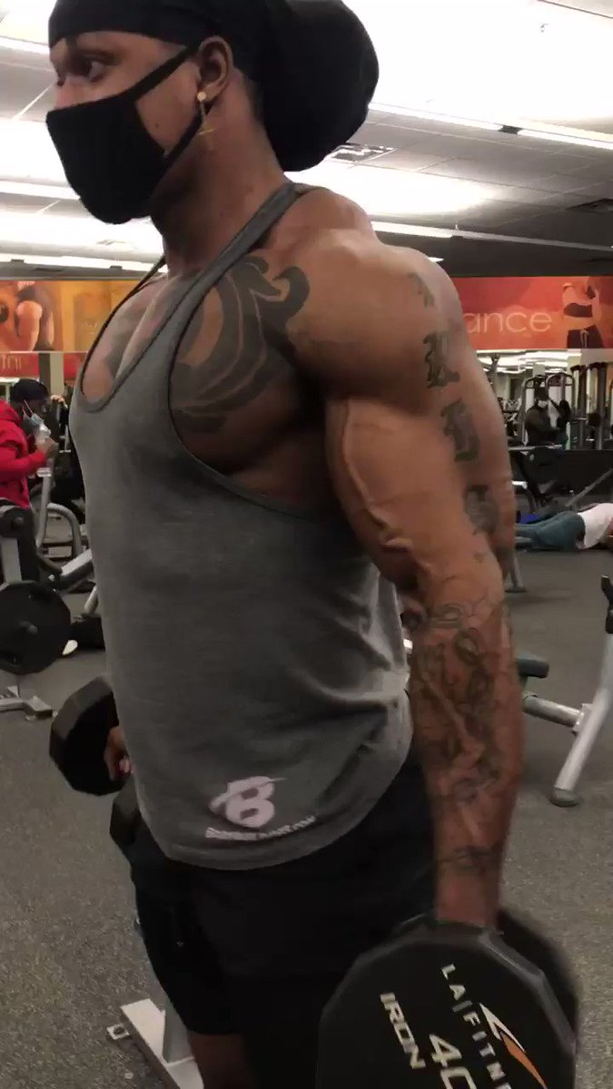 The most I ever seen LA fitness crowded😂   #armday #pump #bicep #curls #workout #fitness #gymlife #fun #bodybuilder #abs #FetchYourBody2021 #arms