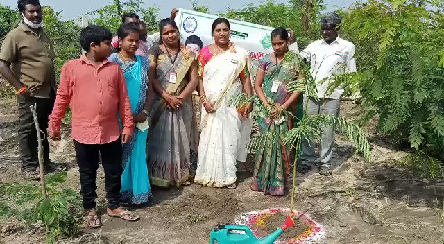 Thank you Korukoppu Anitha, Sarpanch Lingannapalem, Khammam  garu for accepting the nomination & planting the saplings under #GreenIndiaChallenge and see that they grow along with you n your village.   #GIC🌱🌱🌱