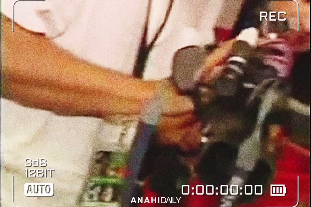 """💭RECUERDOS:  RBD cantando """"Te Vi Venir"""" do Sin Bandera, nos bastidores da Tour Generación, em 2006.  O início de tudo ❤️"""
