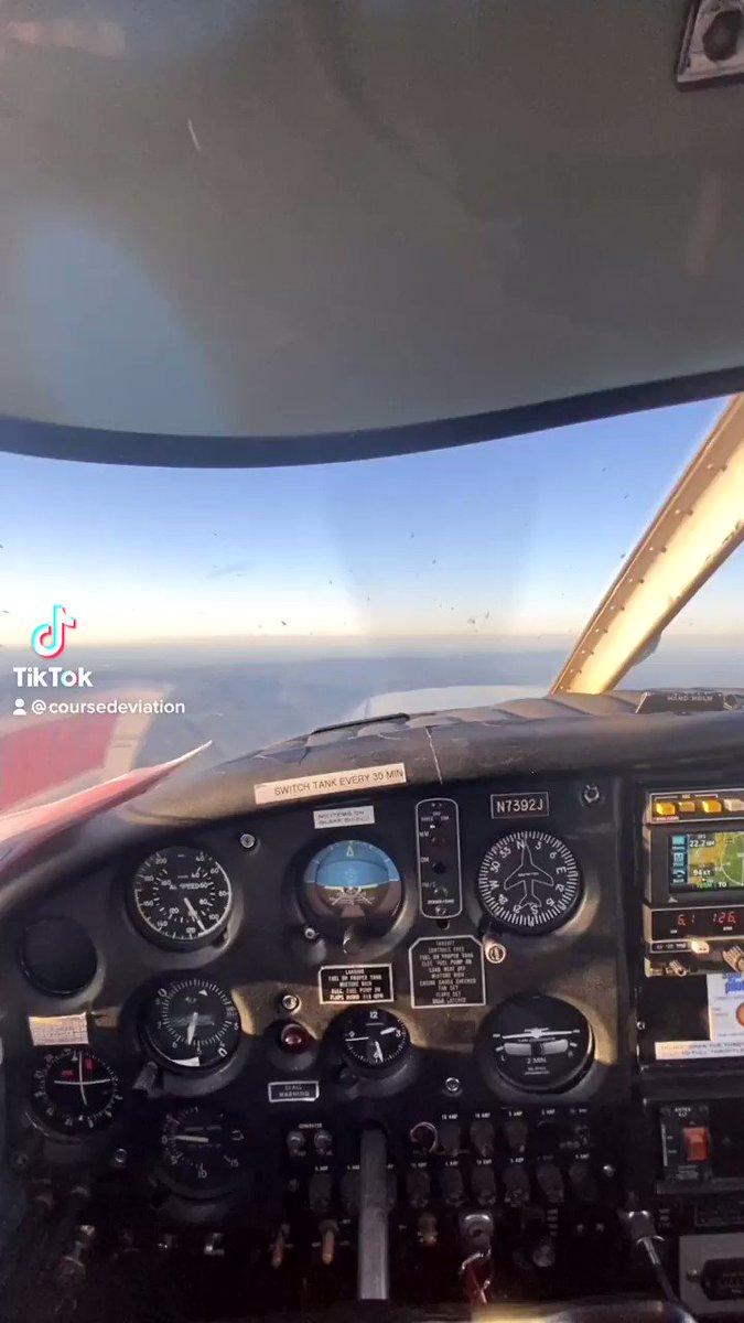 Morning and evening #pilot #pilotsoftwitter #pilotlife #aviator #aviation #flying #piper #cherokee #view #sunrise #sunset