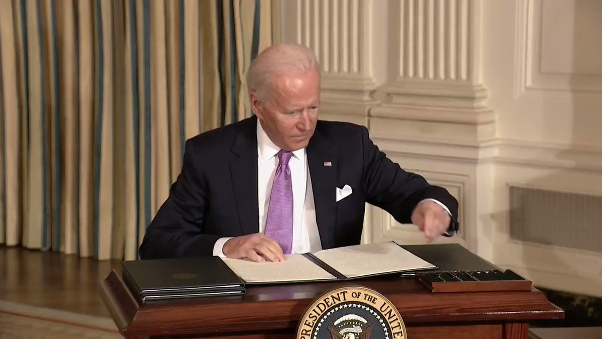 JUST IN: President Biden signs executive order directing the Justice Dept. not to renew contracts with private prisons.
