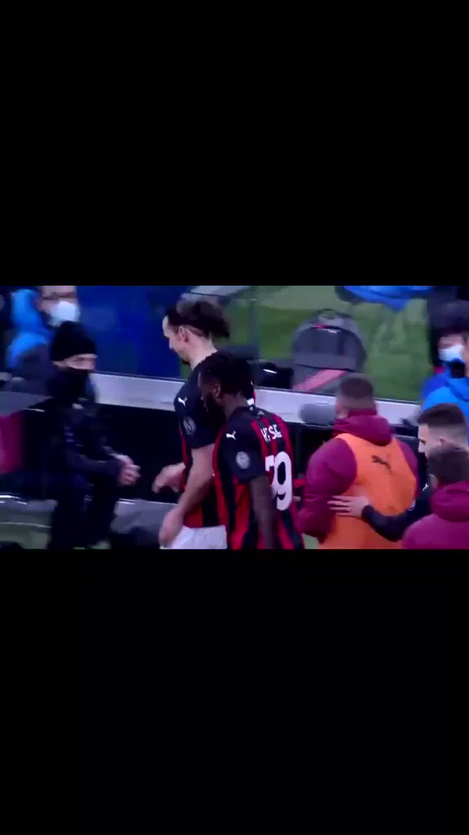 Replying to @madridstarkg: Don't know what happpened but Lukaku is so pissed off he wants to fight ibra so bad😂