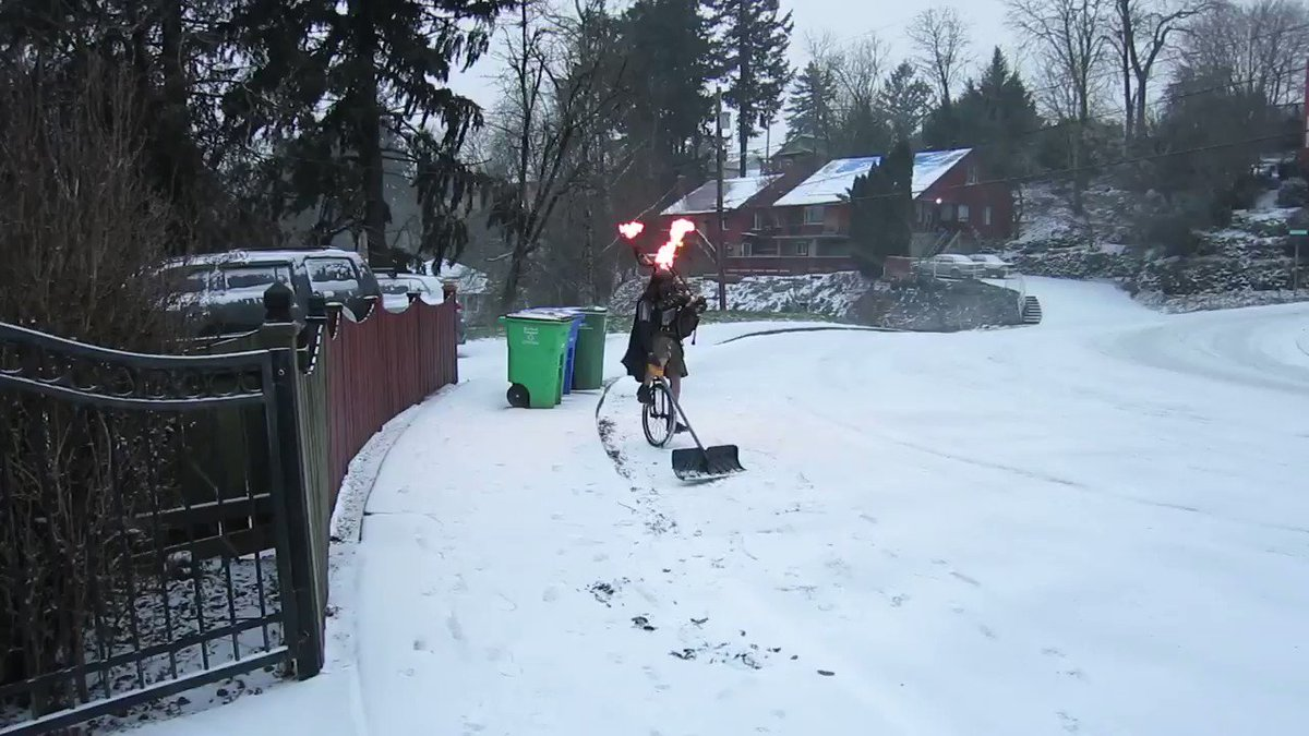 as you can see and hear, it snowed in portland  via @TheUnipiper    https://t.co/dq7chXqf4r