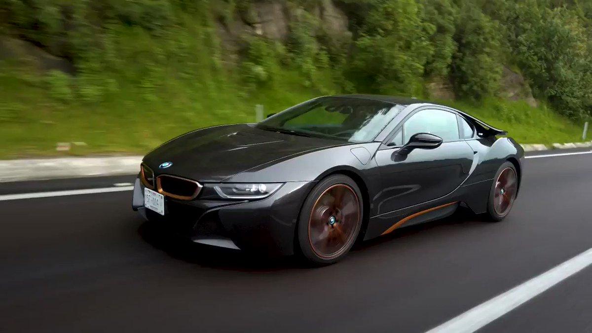 BMW i8 Ultimate Sophisto - La supervivencia  🎥➡️    @BMWMex #BMWi8 #BMW #Autologia #soloautos