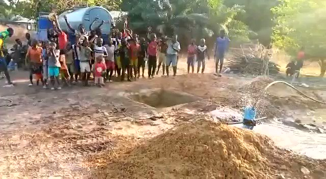 OUR NEW WATER PROJECT IN AFRICA ❤️  This is a small village in #Gambia ( #Africa ), the village had no source of clean water !  Khalsa Aid has funded a new water pump in the village.   Children are overjoyed at seeing water being discovered in their village. 