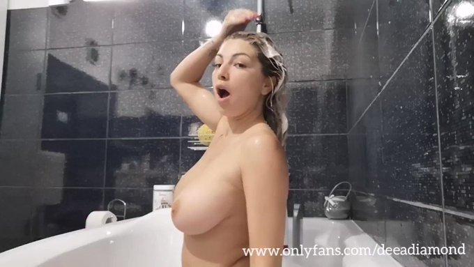 Thank you for buying! Washing my blonde hair https://t.co/kYZDHSCM5k #MVSales https://t.co/EFizNzjwU