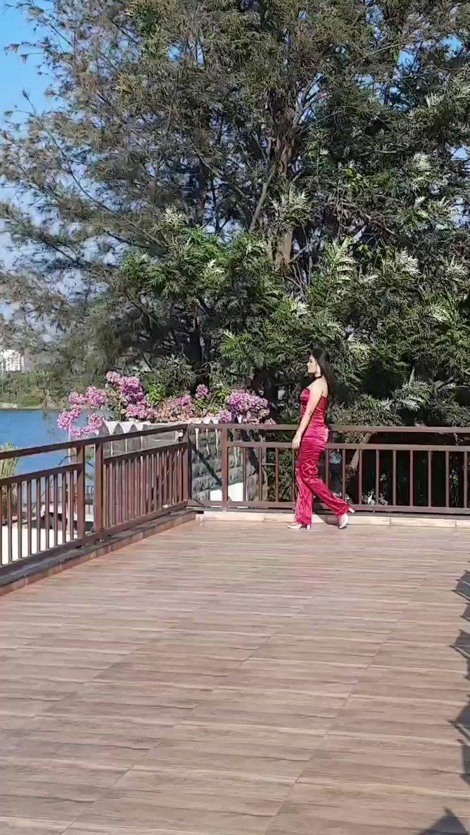 Whis Whis Whisky .. 💋 @yoyohoneysingh @nushrrattbharuccha   #love #rajeshwarikharat #actress #instagram #reels #viral #girl #foryou #actresslife #shoot #smile #bestoftheday #bhfyp #bts #beauty #walk #sexy #attractive #foryou