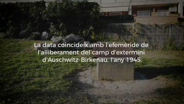 Avui commemorem el Dia Internacional en Memòria de les víctimes de l'Holocaust i de prevenció de crims contra la humanitat, i des de @SantBoiEnComu hem fet aquest petit homenatge en forma de vídeo. Recordar per no repetir.🕯️ #HolocaustRemembranceDay #SantBoi #XarxaMaiMes