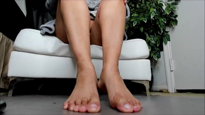 Another vid sold! GIANTESS Step-Mommy Humiliation https://t.co/wq0RFE5Kn4 #MVSales https://t.co/Y4gJ