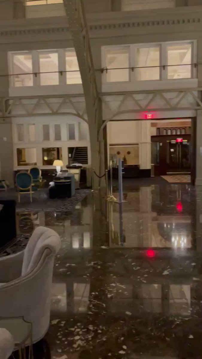 📍Trump Hotel, DC - Looks like they drained the swamp