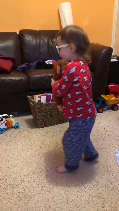@dionnewarwick My 2 1/2 yr-old granddaughter's interpretive dance. 🤗 #dionnewarwick