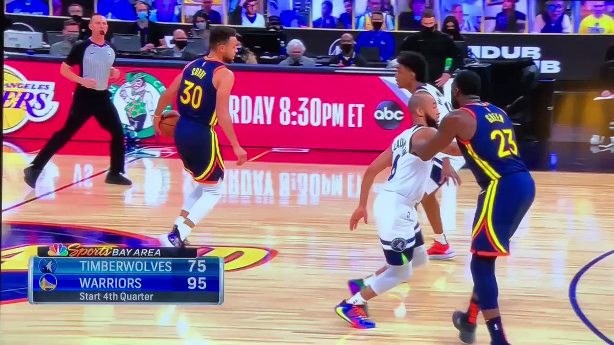 @StephenCurry30 crackin knees, dribblin with ease #ouch #WarriorsGround #goldenstatewarriors #stephencurry @NBCSWarriors